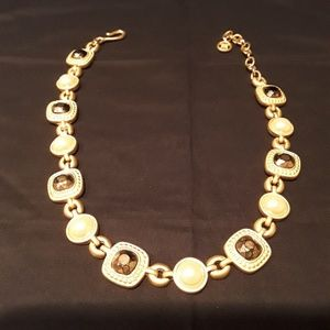 Beautiful gold tone necklace